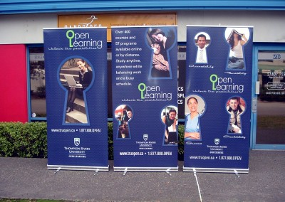 open-learning-tradeshow-standing-banners